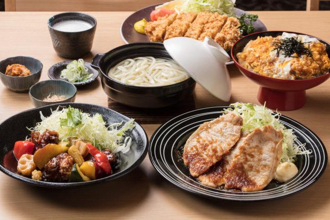 生姜焼き定食やカツ丼などガッツリ系のメニューも